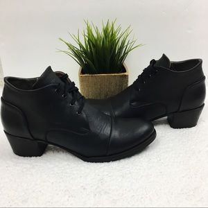 Sutro San Francisco Young Lace Up Bootie Black